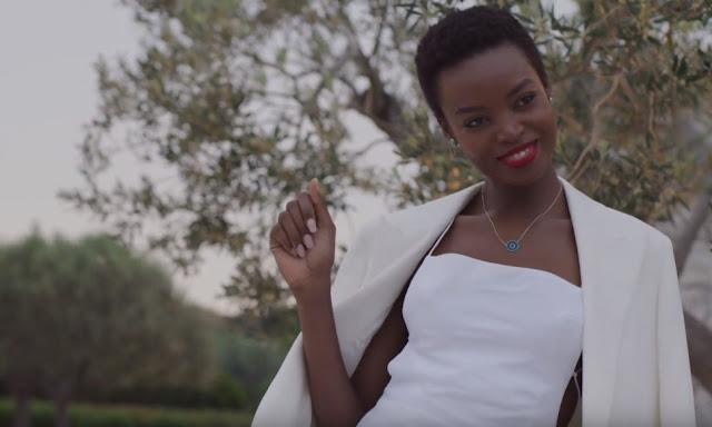 Resort wear από το Net-a-Porter  στην Αργολίδα με τα πιο hot ονόματα στον χώρο της μόδας (βίντεο)