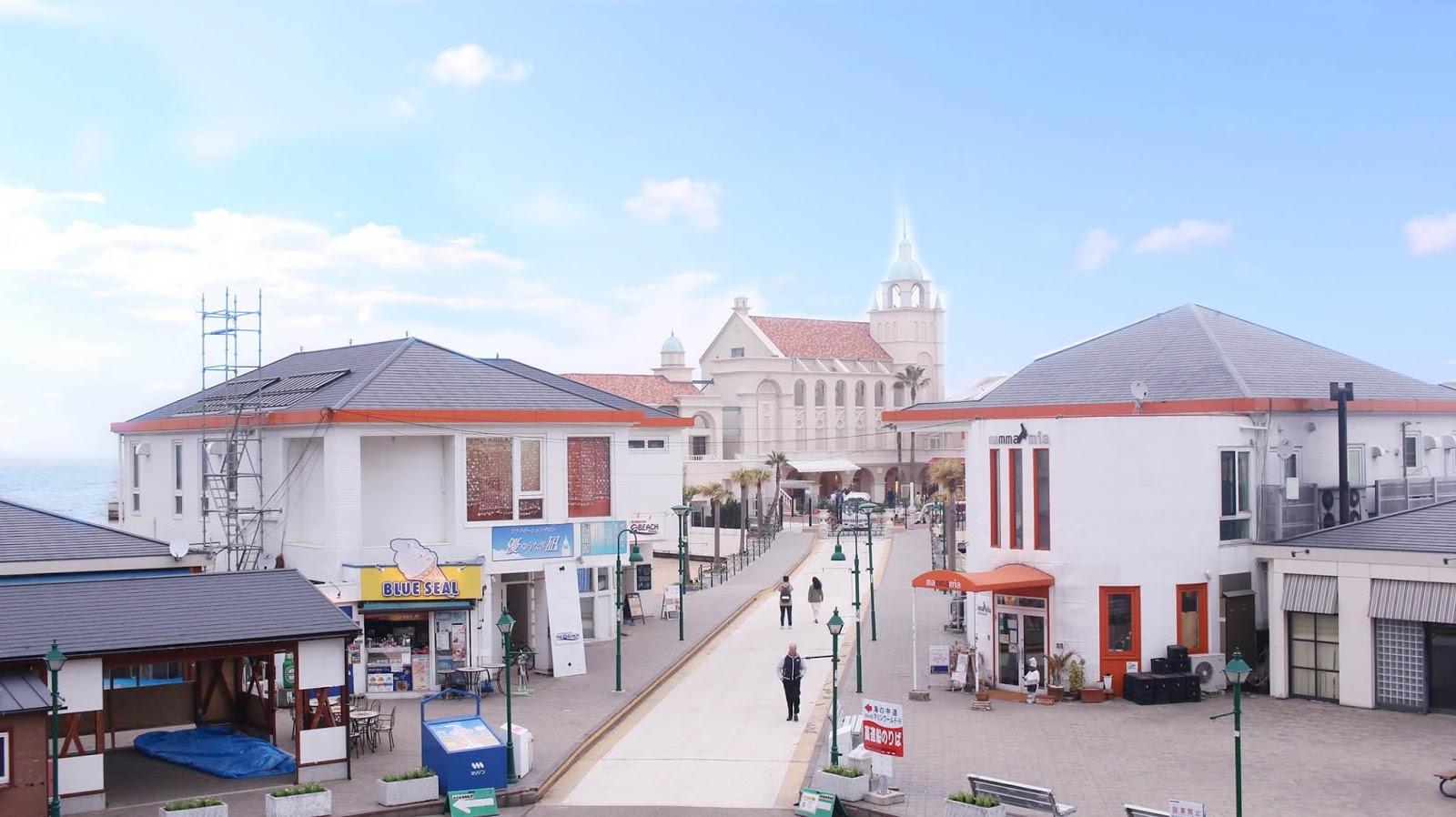 Visit Momochi Seaside Park on your trip to Fukuoka or Japan
