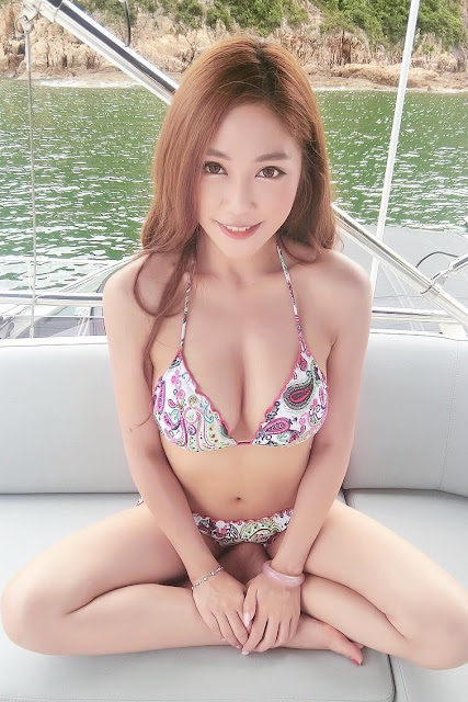 Hot and sexy big boobs photos of beautiful busty asian hottie chick Chinese booty bikini model Miky Cheng photo highlights on Pinays Finest Sexy Nude Photo Collection site.