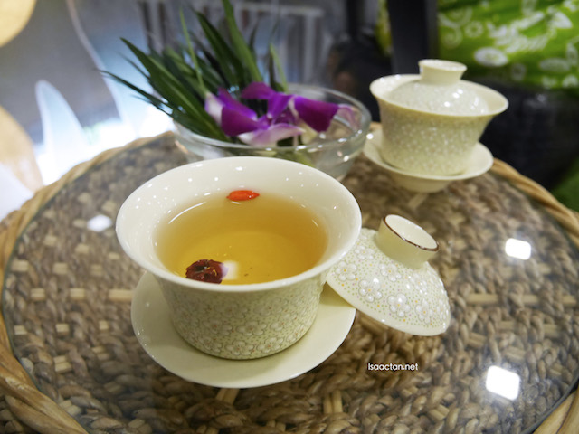 We were served with lemongrass tea upon entering HerbaLine Facial Spa