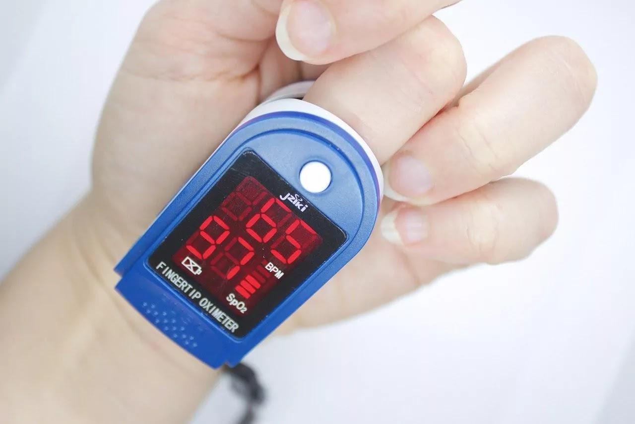 Pulse Oximeter Kaise Use Karna Chahiye