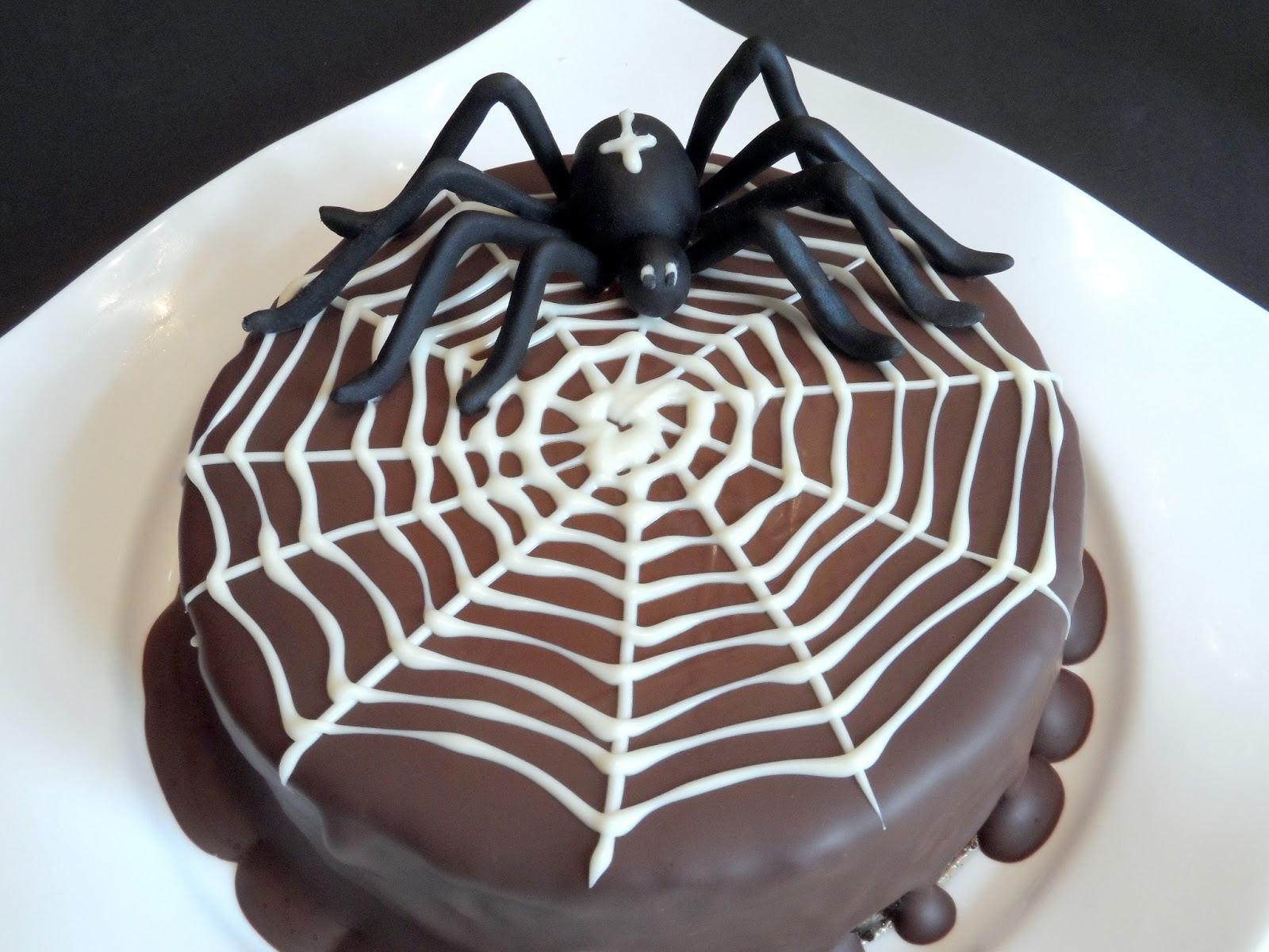 backen kann jeder selbstgemachter halloween baumkuchen. Black Bedroom Furniture Sets. Home Design Ideas