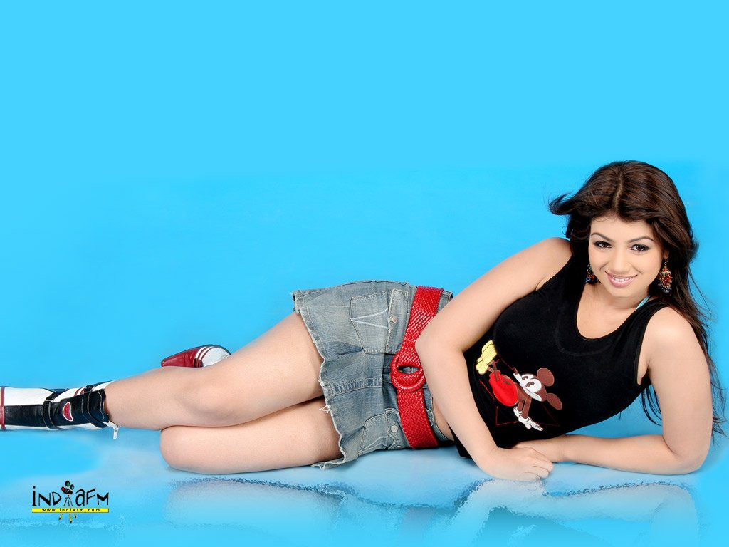 Hot Actress Stills Now: Hot Ayesha Takia Wallpapers