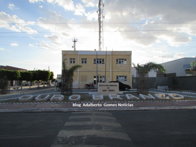 Prefeitura de Ouro Branco nomeia 18 aprovados em concurso público realizado em 2016