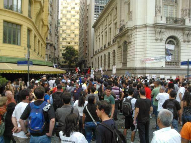 Professores em manifestação no rio de janeiro dia 01/10/2013