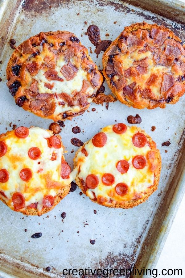 Use Canyon Bakehouse English muffins to make an easy crust for gluten free mini pizzas! They make a perfect pizza base for this easy kid friendly lunch recipe. Personalize them any way - even make them dairy free or vegetarian. Let kids choose their own healthy toppings for DIY personal pizza activity.
