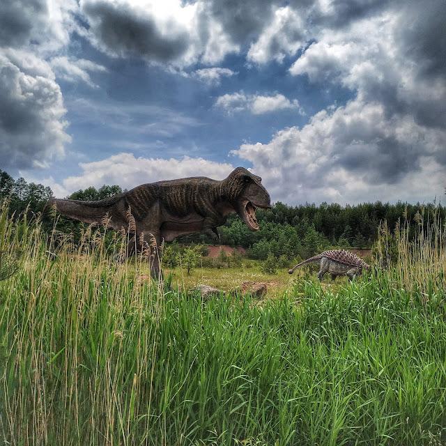 figura dinozaurów w parku Krasiejów, jak wyglądał tyranozaur