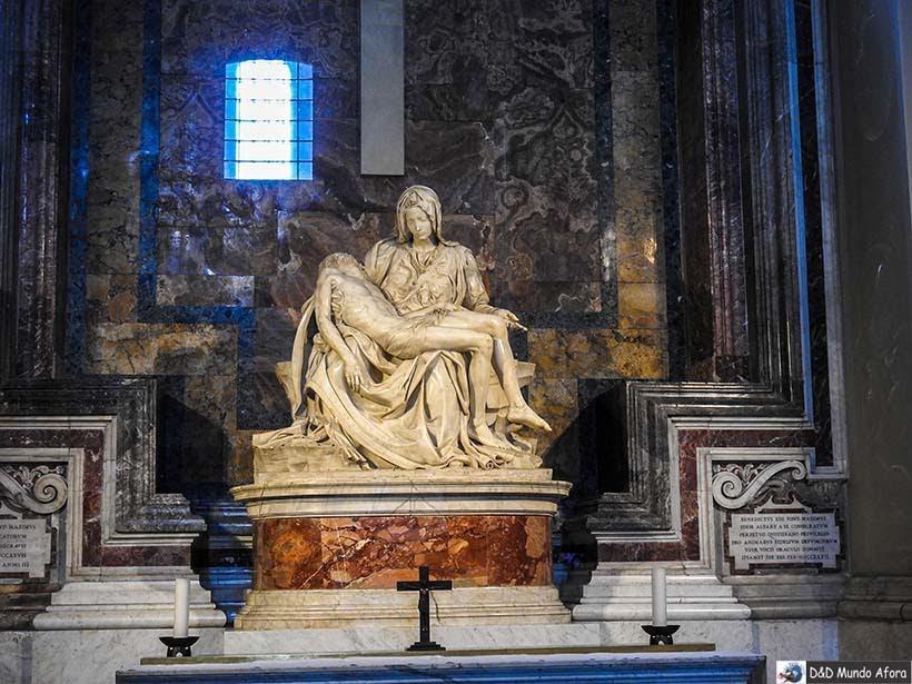 Pietá, de Michelangelo, dentro da Basílica - o que fazer no Vaticano