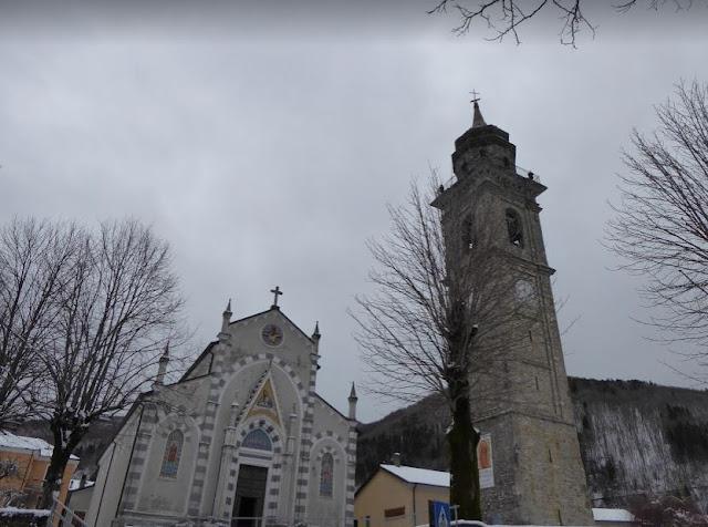 la chiesa e il campanile di santo stefano d'aveto