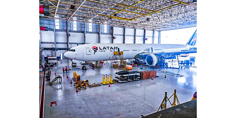 LATAM realiza no Brasil o seu primeiro Check Estrutural do Boeing 777   É MAIS QUE VOAR