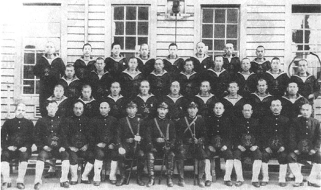 Photo of officers that seized Tulagi on 3 May 1942 worldwartwo.filminspector.com