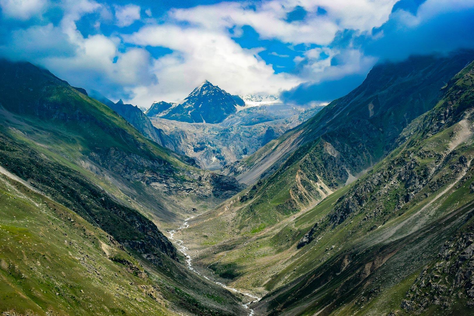 Convenient travel guide for the popular Hampta Pass