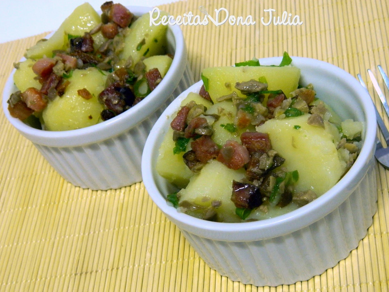 Salada de batata com azeitonas e bacon