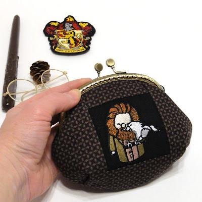 Рубеус Хагрид - подарок фанату Гарри Поттера. Кошелек ручной работы с вышивкой из натурального хлопка. Ширина фермуара 13 см. Один экземпляр, доставка почтой или курьером