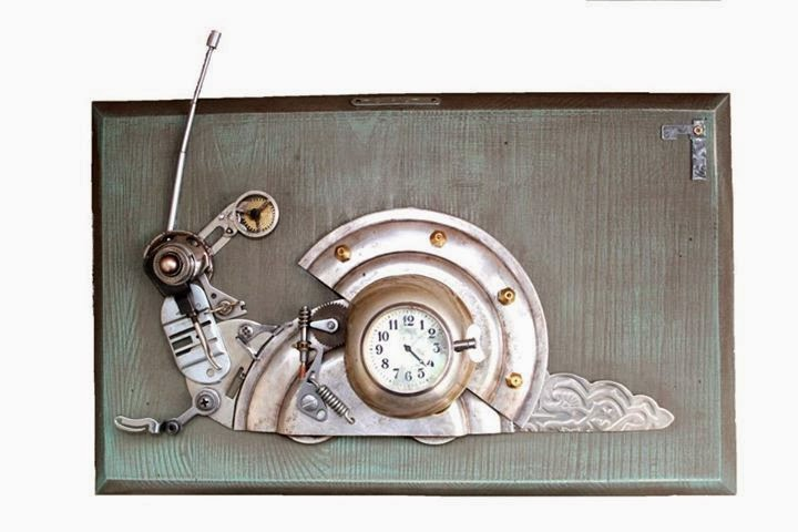 08-Snail-Arturas-Tamasauskas-Recycled-and-Upcycled-Steampunk-Sculptures-www-designstack-co