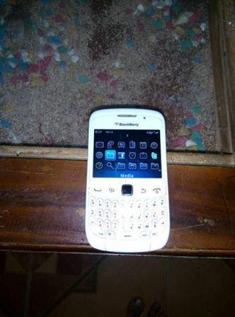 8 Bongkar Blackberry 8520