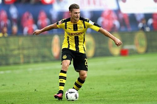 Cầu thủ Piszczek được Barca quan tâm nhằm thay thế cho Dani Alves