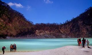 Tempat Wisata di Bandung Kawah Putih di Ciwidey