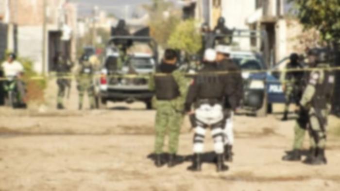 Arde Irapuato, Guanajuato; Convoy de encapuchados queman anexo, 12 vehículos, 2 casas y levantan a 8 personas más