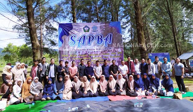 Gelar Peusijuk di Pantai Riting, Mahasiswa Bakongan Timur Pererat Silaturrahmi