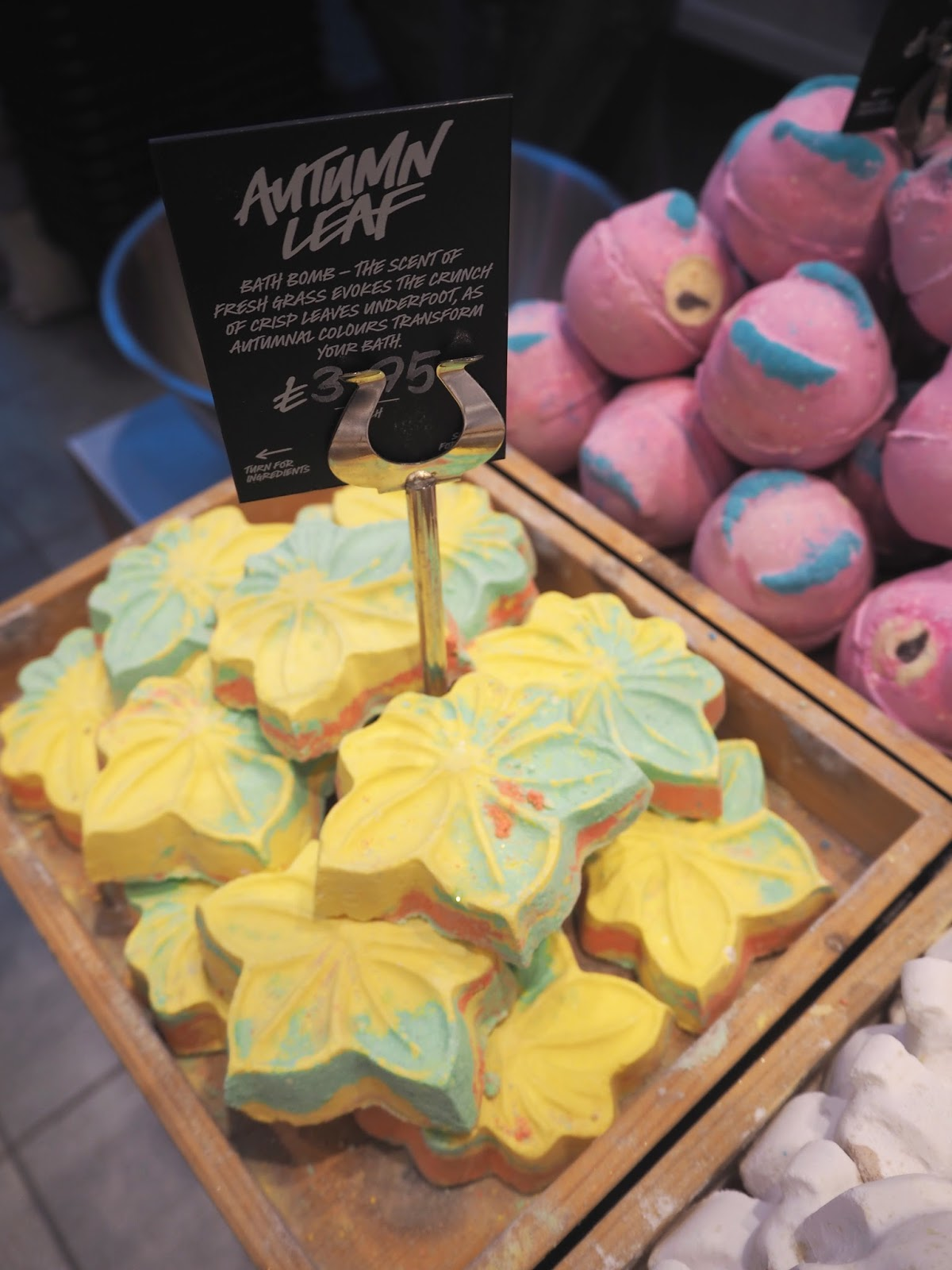 Lush Halloween Collection 2016, Katie Kirk Loves, Autumn Leaf Bath Bomb, Beauty Blogger, Bath Products, Lush UK