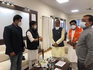 कांग्रेस के सौसर विधायक विजय चौरे के भाई पुर्व विधायक अजय चौरे ने ली भाजपा की सदस्यता
