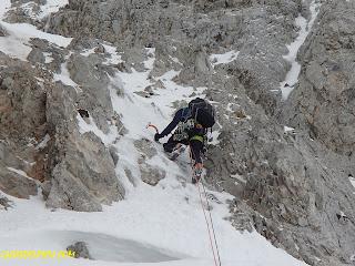 Fernando Calvo Guia de alta montaña UIAGM Guiasdelpicu.com , #rab.equipment #campcassin #lowealpine #oakleyeurope guias de montaña de #picosdeeuropa escaladas al picu y peñasanta