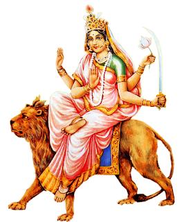 मां कात्यायनी दिव्यता के अती गुप्त रहस्य की प्रतीक है। नवरात्री के ६ वे दिन मां कात्यायनी की पूजा की जाती है। इनका आभामंडल विभिन्न देवों के तेज से मिश्रित इंद्रधनुषी छटा देता है। प्राणियों में इनका का वास आज्ञा चक्र में होता है। और योग साधक इस दिन अपना ध्यान आज्ञा चक्र में लगाते हैं। माता कात्यायनी की एक भुजा अभय देने वाली मुद्रा में तथा नीचे वाली भुजा वर देने वाली मुद्रा में रहती है। ऊपर वाली भुजा में वे चंद्रहास खड़क धारण करती है जबकि नीचे वाली भुजा में कमल का फूल रहता है। कात्यानी देवी की उपासना करने वाला भक्त बड़ी सहजता से धर्म अर्थ काम और मोक्ष चारों पुरुषार्थ ओं की प्राप्ति कर लेता है साधक को मां कात्यायनी दर्शन देकर कथा करती है।