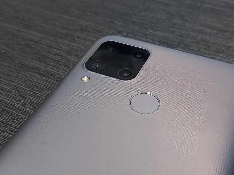 Realme C15 Rear-Mounted Fingerprint Sensor