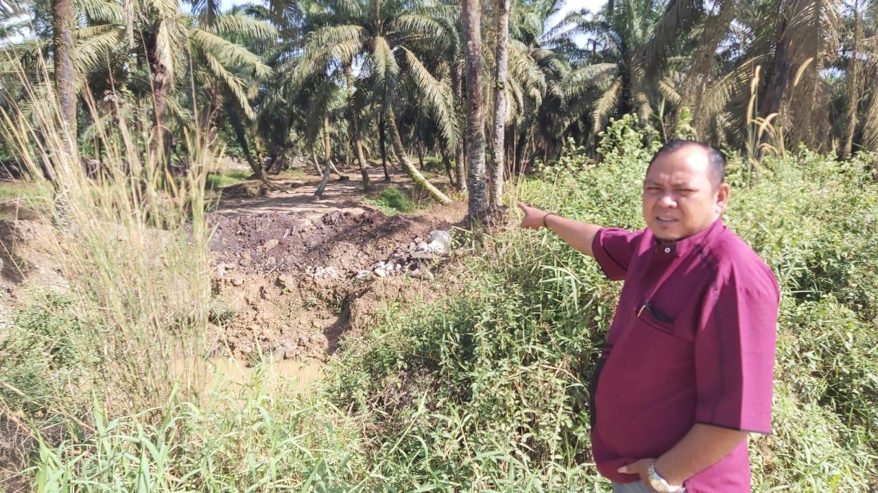 Masyarakat Persukuan Delik Keluhkan Anak Sungai Lubuk Godang Ditutup