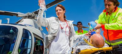 Pertolongan Pertama Pada Kecelakaan : Tanggung Jawab Dan Kompetensi Penolong Pertama Dan Petugas Medis