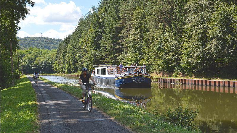 Take a Slow Boat Through Europe, Says European Waterways