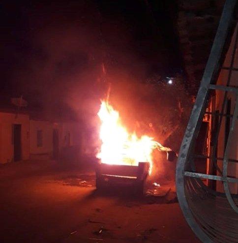 Resultado de imagem para fogo no carro do locutor de Poção de Pedras.