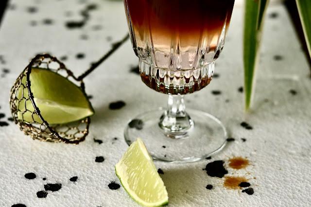 hibiskusowy espresso tonic