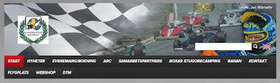 Skärmbild av huvudet på Scandinavian Raceways webbplats med racerbilar och förare