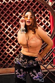ganga telugu serial actress pranavi manukonda cute expressions Pictures1