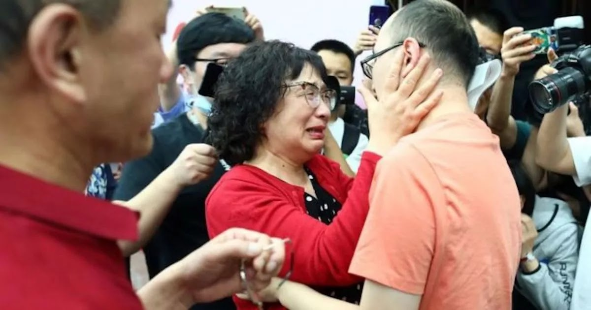 Mother In China Is Reunited With Her Kidnapped Son After 32 Years