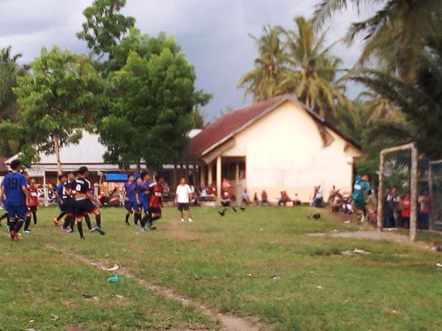 Pertandingan Sepak Bola, Tradisi Seru Idul Fitri di Desa Pinarik