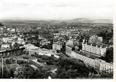 Vue de Royat, hier,  noir et blanc Royat thermal et Clermont-Ferrand