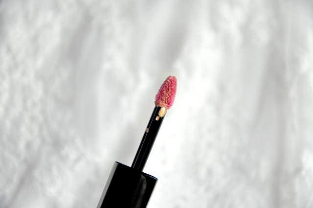 huda beauty lip strobe angelic