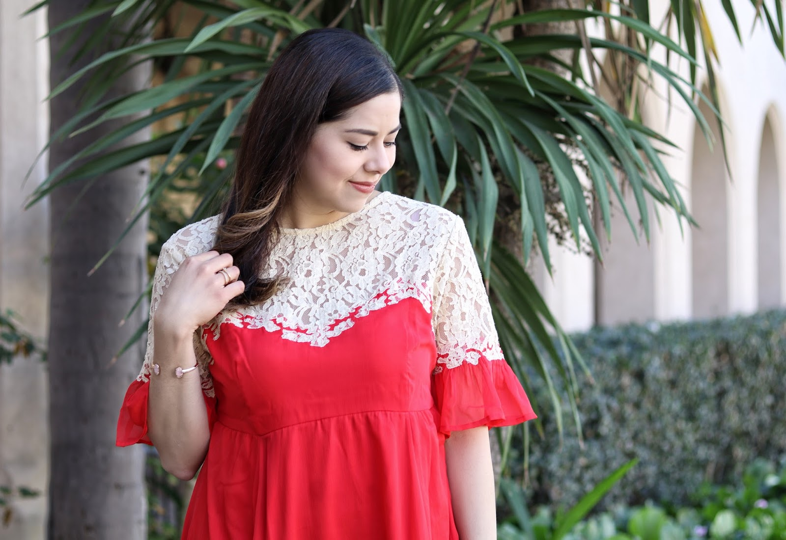Nude lace red dress, latina fashion blogger, mexican fashion blogger