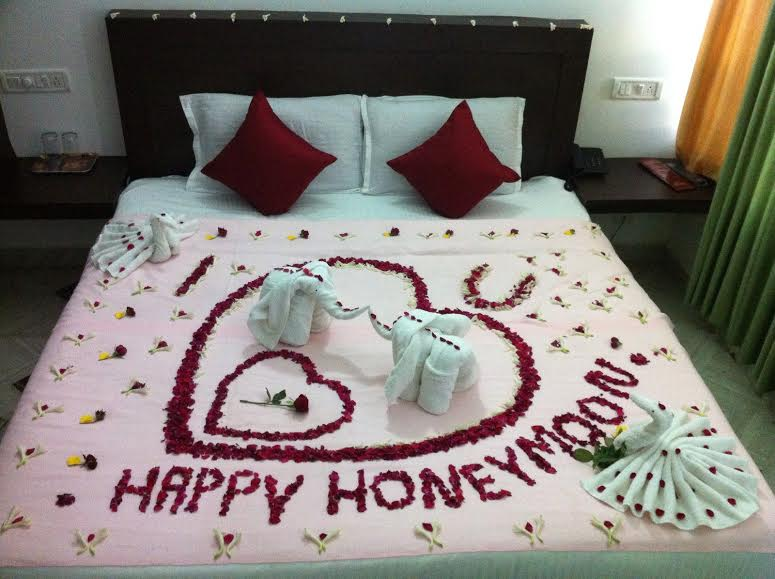Honeymoon Beds Decoration In Bollywood Style