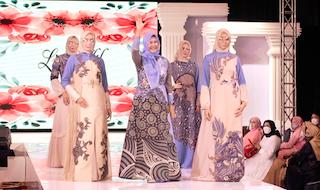Lia Afif Angkat Corak Batik Warna Alam Khas Jawa Timur Pada Indonesia Hijab Walk