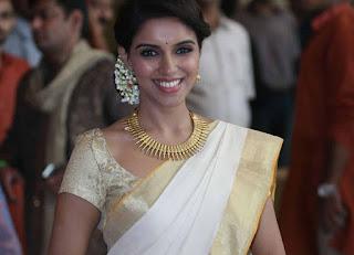 actress-kerala-saree