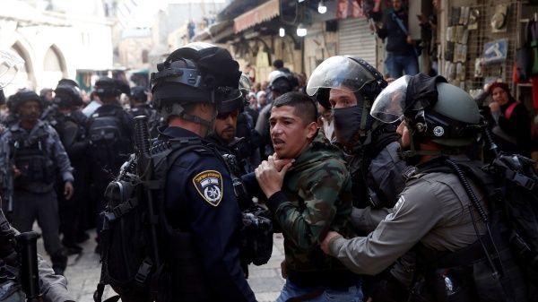 Israel detiene a cientos de palestinos tras anuncio de Trump