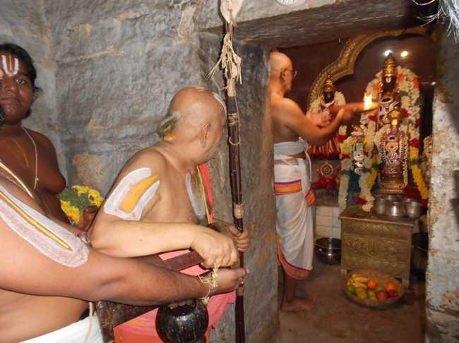 విగ్రహారాధన ప్రాముఖ్యత ఏమిటి, ఎందుకు విగ్రహారాదన చేయాలి - Vigraha Aaradhana