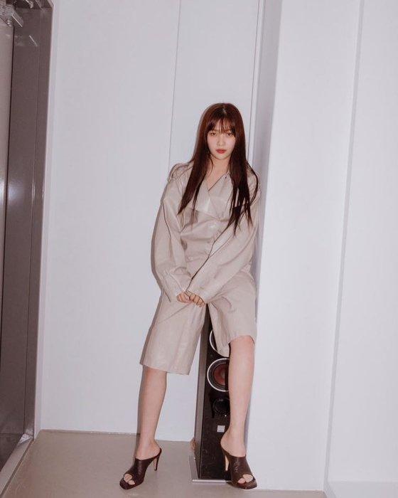 Lee Sung Kyung, IU ve daha fazlası sayesinde tulum yeniden moda oldu