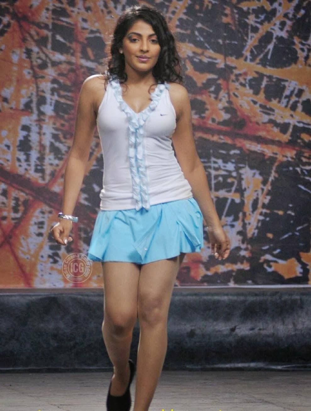 South Actress Mythili Sexy Mini Skirt Pics, Mythili Sexy
