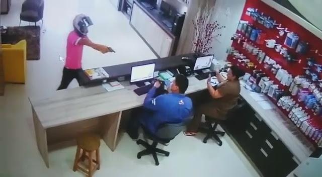 Loja de informatica é assaltada em Cruzeiro do Sul