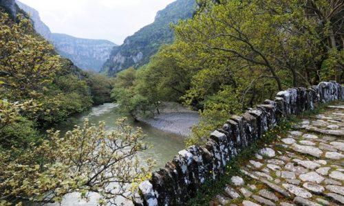 """Ο Δήμος Κόνιτσας, στα πλαίσια του έργου με τίτλο «Ανάπτυξη και προώθηση του extreme tourism στη διασυνοριακή περιοχή Ελλάδα- Αλβανία» με ακρωνύμιο «ΕΧ.TOUR» και συμμετέχοντες εταίρους την Περιφέρεια Ηπείρου και το Δήμο Πρεμετής , διοργανώνει στην Κόνιτσα τετραήμερο φεστιβάλ αναρρίχησης με την επωνυμία """"KonitsAthlon"""", στις 24-27/9/21."""